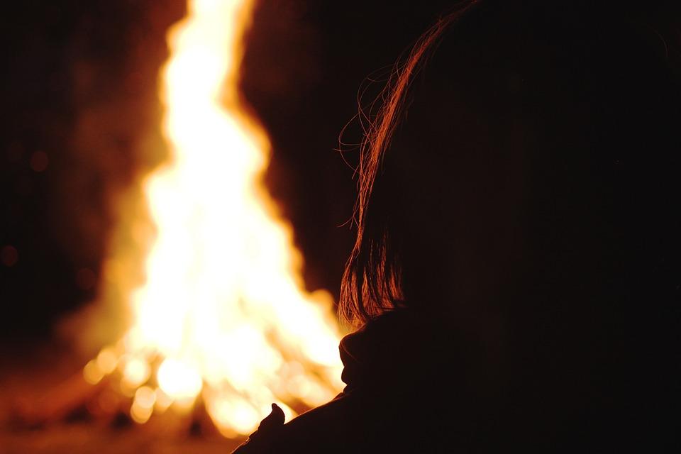 bonfire-801244_960_720